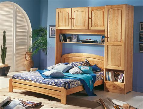 chambre à coucher pont de lit lit pont ra secret de chambre lit adulte