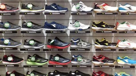 buruan dapatkan running shoes merek diadora didiskon 20