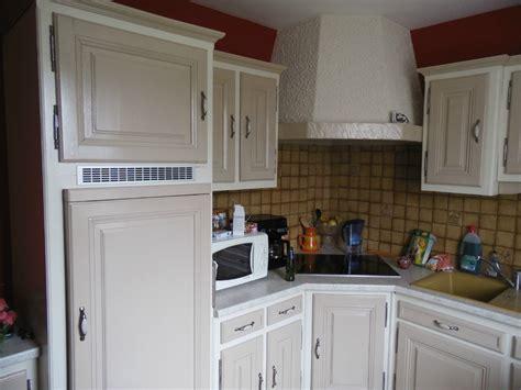 repeindre une cuisine ancienne vieille cuisine repeinte cuisines anciennes de bois