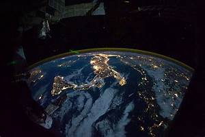 International Space Station Gets Sexy Shots of The Dark ...