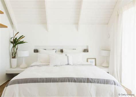 chambre cosy idee deco chambre adulte cosy table de lit