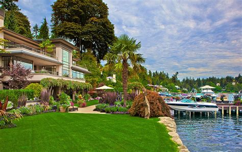 sophisticated waterfront estate  medina  private