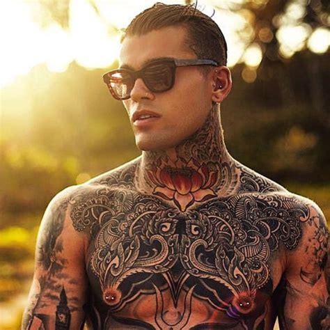 hot tattooed men guys  havent