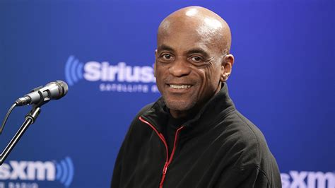 meet fred bugsy buggs siriusxm flys  afternoon host