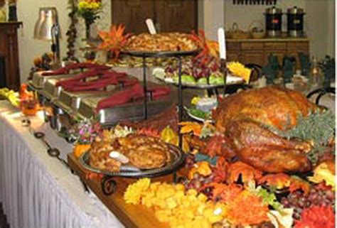 buffet cuisine tricks for setting and decorating the table for