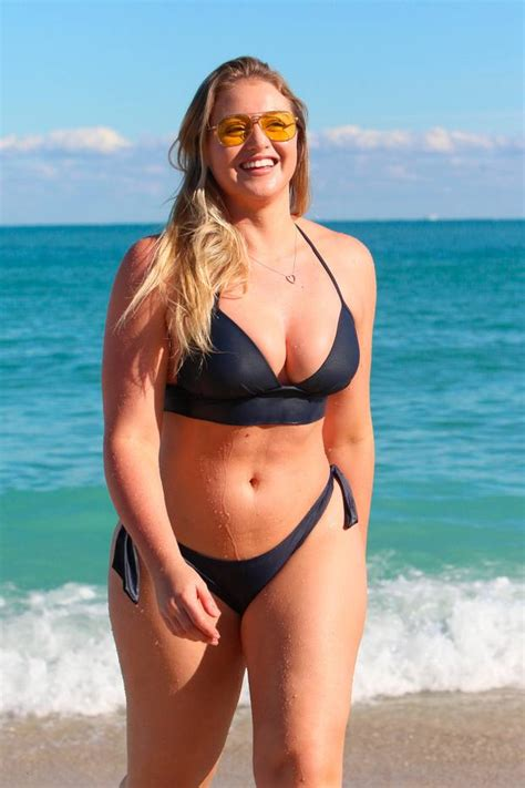 size model iskra lawrence   picture  body