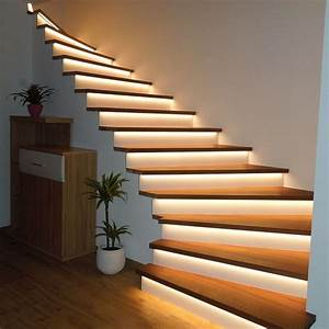 Treppenhaus Led Beleuchtung : referenzbild treppenstufen mit led haus ideen ~ Michelbontemps.com Haus und Dekorationen