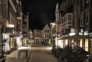 Von Have Bergedorf : bild von der fussgaengerzone sachsentor in der city hamburg bergedorf nachtaufnahme ~ Markanthonyermac.com Haus und Dekorationen