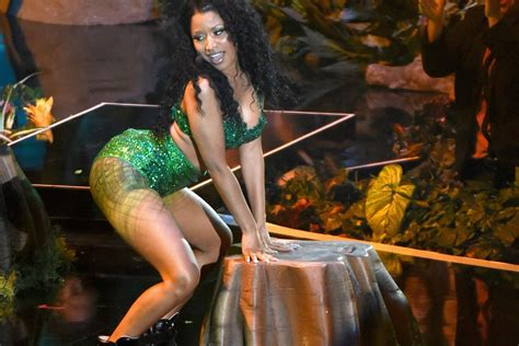 The Definitive Playlist Of Songs About Butts
