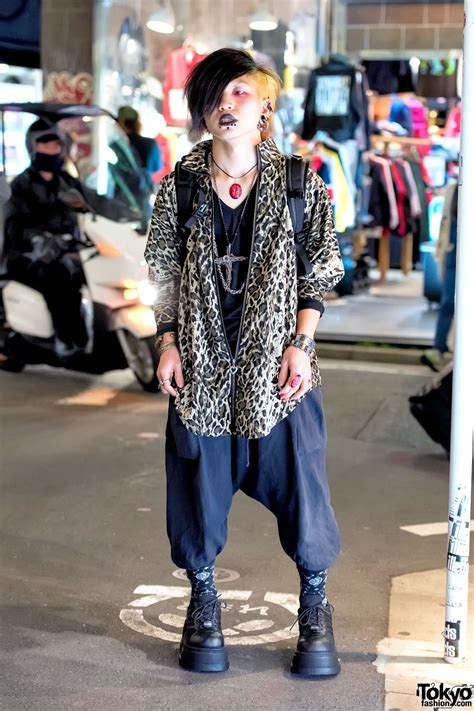 dark harajuku style w piercings demonia boots brain