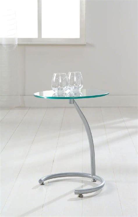table bout de canapé en verre courbes bout de canape sellette avec plateau en verre