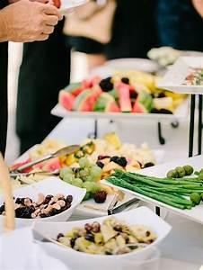 Idée Buffet Mariage : buffet mariage vin d 39 honneur ap ro festif nos id es de menu et de pr sentation originale ~ Melissatoandfro.com Idées de Décoration