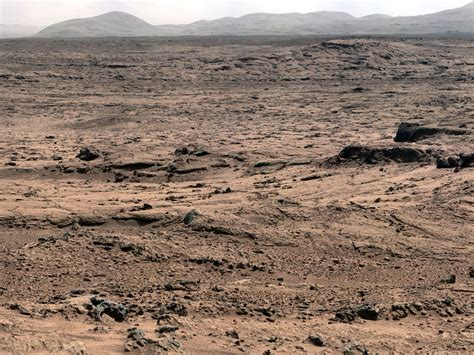 News | One Year After Launch, Curiosity Rover Busy on Mars