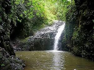 Hawaii Waterfalls On Oahu