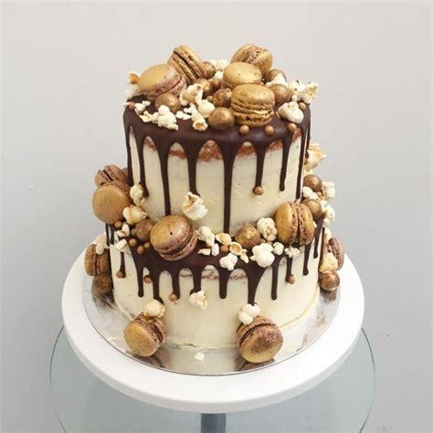 chic macaron pearls wedding cake  anges de sucre