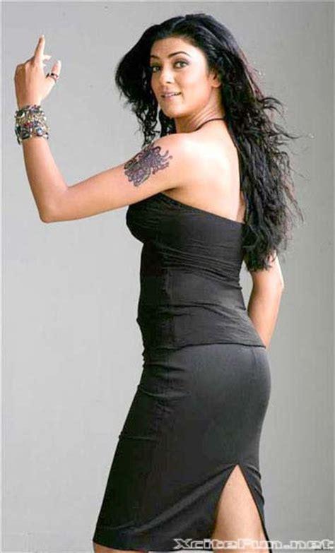 bollywood beauties  black dress women  black