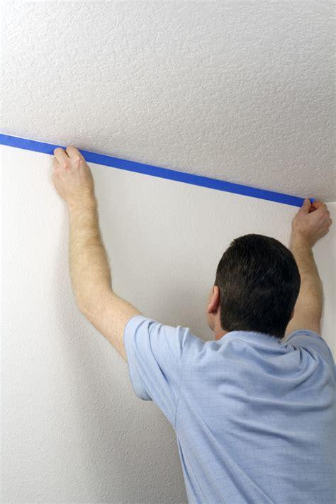 wand streichen abkleben wand professionell malen 187 das brauchen sie so wird s gemacht