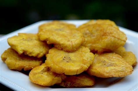 cuisine banane plantain patacones or tostones fried green plantains laylita 39 s recipes