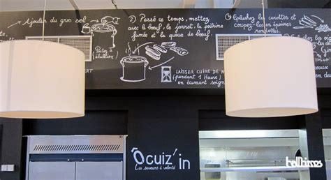 mur ardoise cuisine décoration du restaurant ocuiz in halltimes graffeur