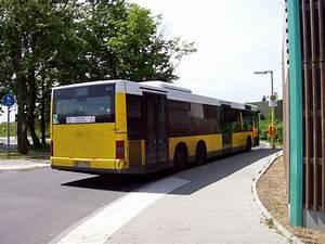 Bus Berlin Kassel : berlin marienfelde bvg bus nr 1555 linie 277 an der endhaltestelle stadtrandsiedlung bus ~ Markanthonyermac.com Haus und Dekorationen
