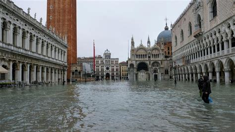 Venice Sinks Deeper Under Water As Forecasters Predict