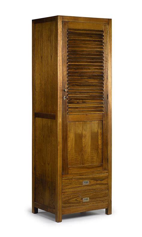 Ein kleiderschrank aus holz ist sehr natürlich und dabei nicht nur für wohnräume auf dem land geeignet. Kleiderschrank STAR SIMPLE aus Holz. Ihr Online-Shop für ausgefallene Schränke.