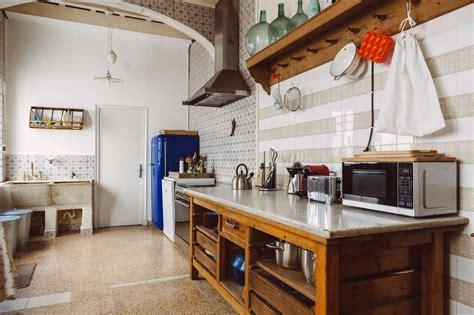 drip dry  kitchens  wall mounted dish racks  organized home