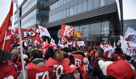 express siege social grève comment les médias vont compter les manifestants
