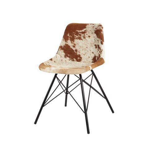 chaise en peau de vache chaise en peau de vache et métal austerlitz maisons du monde