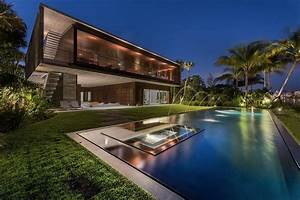 Luxury Miami Beach House with Man-Made Lagoon Could Be ...