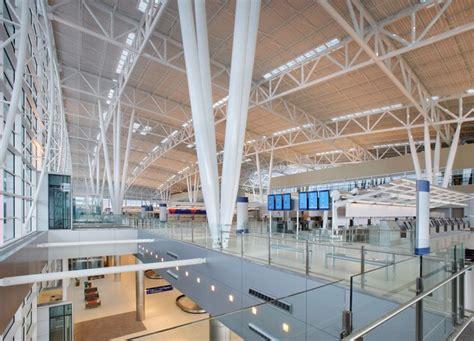 indianapolis airport terminal building  architect