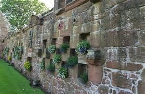 moderne esszimmer gartenmauer als gestaltungselement freshouse