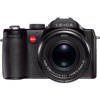 Digital Photography Equipment Review—the Leica Vlux 1 Camera