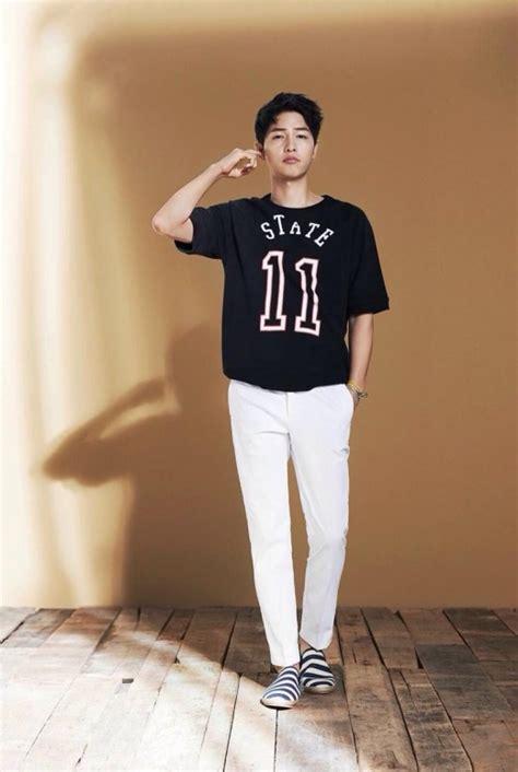 Song Joong Ki Rocks Casual Looks For Top Ten   Soompi