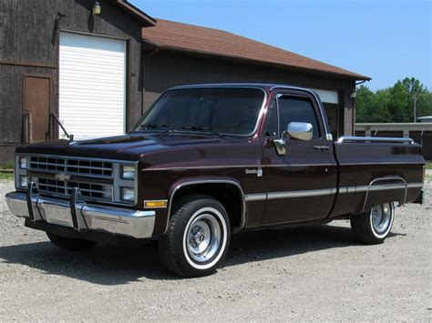 1986 Chevrolet C10 Pickup 111022