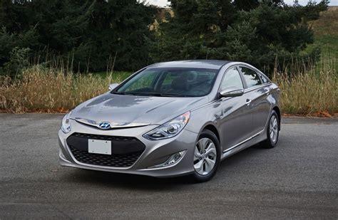 Hyundai Sonata Cost by 2014 Hyundai Sonata Hybrid Road Test Review Carcostcanada