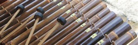 Alat musik tradisional dari jawa barat (jabar) dan cara memainkannya merupakan artikel yang penting diketahui. Alat Musik Tradisional Jawa Barat - RuangBimbel.co.id