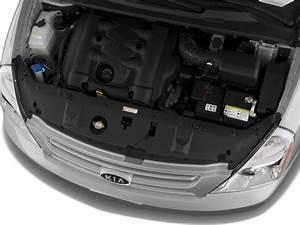 2008 Kia Sedona - Kia Minivan Review