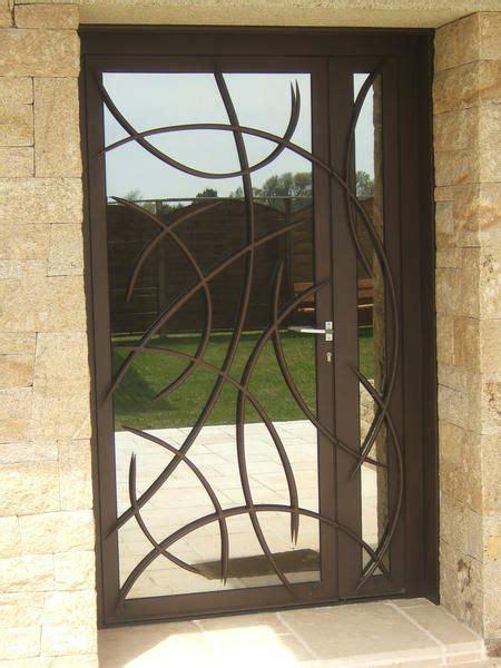 porte d entrée en metal l de fer conception sur mesure de portes d entr 233 e