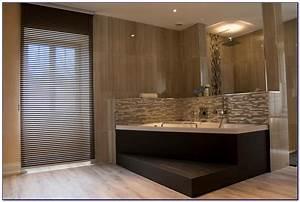 Baignoire avec coin douche avec salle de bain avec douche for Salle de bain design avec image encadree décoration