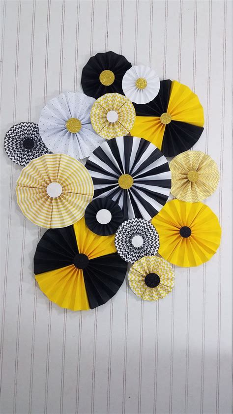 Best 25+ Bee Decorations Ideas On Pinterest  Bee Party