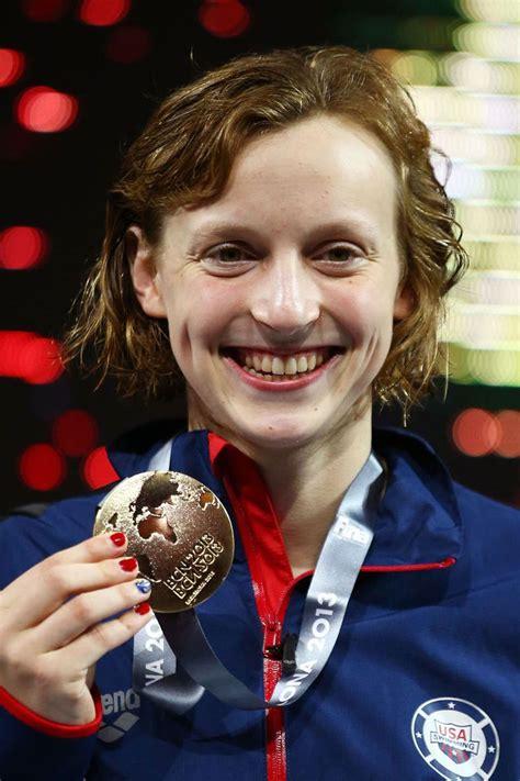 Katie ledecky can do it all. Katie Ledecky destroys 1500m fress world record | London ...