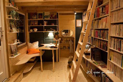 nomadic bookseller travels   france   tiny