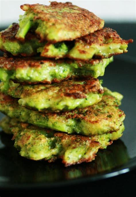 cuisiner le brocolis frais galette de brocoli au parmesan zekitchounette