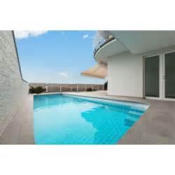 la terrasse de piscine en carrelage esth 233 tique et facile 224 entretenir