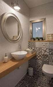 Kleines Gäste Wc Gestalten : g ste wc fliesen grau holzablage badezimmer pinterest ~ Markanthonyermac.com Haus und Dekorationen