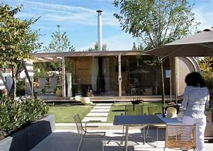 Gartenhaus Holz Modern : modernes gartenhaus aus holz und glas links mit terrassen berdachung ~ Whattoseeinmadrid.com Haus und Dekorationen
