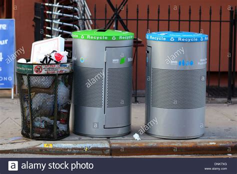 nyc garbage can and recycling bins for mixed paper glass