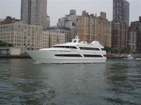 Rent A Boat For Birthday Party Nyc by Atlantis Party Boat Caliber Yacht Charter Prestige Rental Ny
