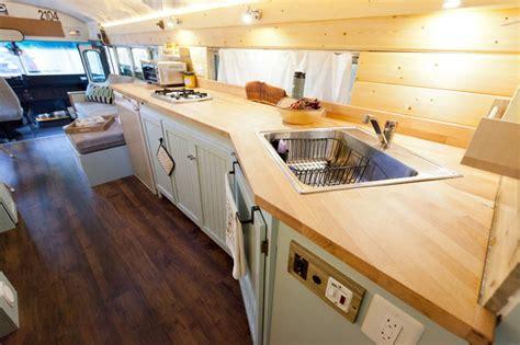 camion cuisine occasion habiter toute l 39 ée et voyager dans un aménagé